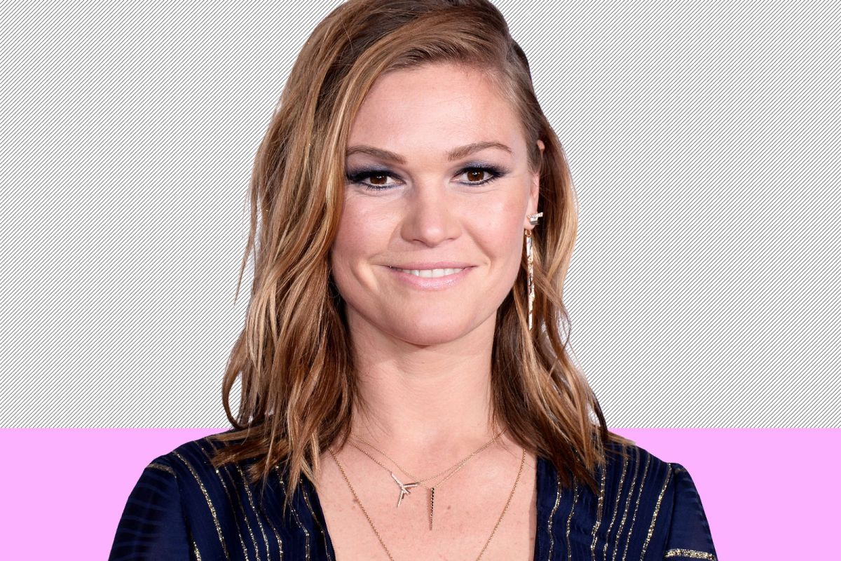 Julia Stiles Interview — Stylist 5 Minute Philosopher Series