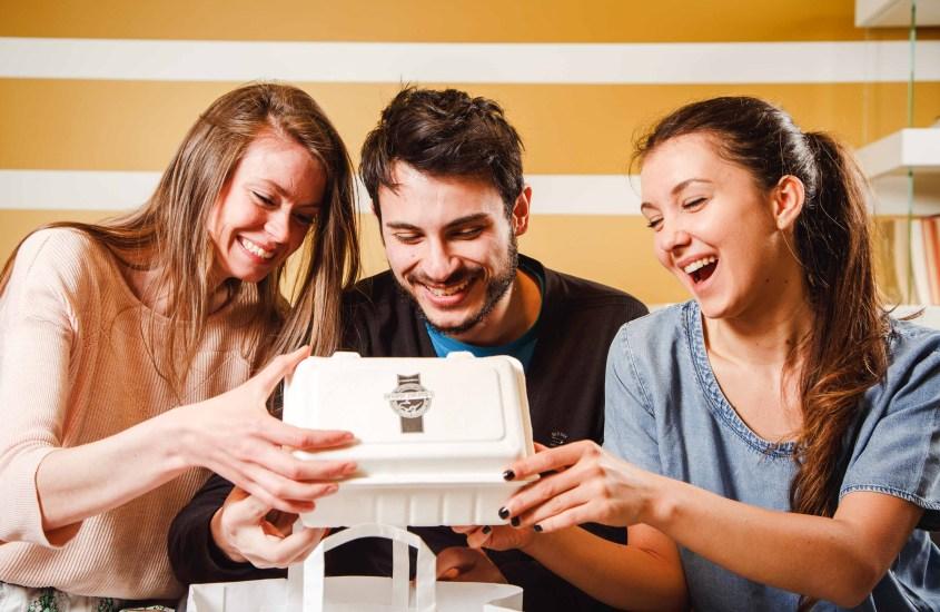 JUST EAT: numeri da capogiro per il social eating in Italia