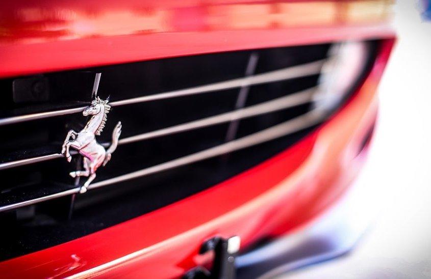 Ferrari Anniversario: la storia straordinaria del cavallino