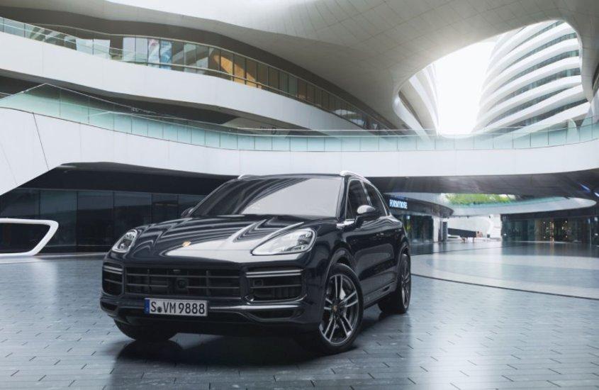 Porsche Cayenne Turbo: classe infinita e una potenza da paura