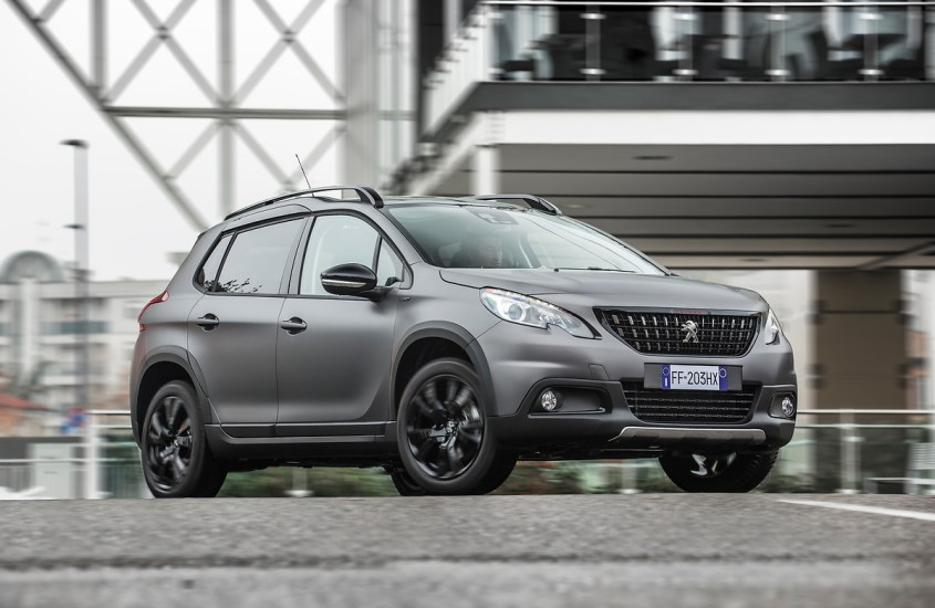 Peugeot 2008 Black Matt: una visione del panorama senza limiti