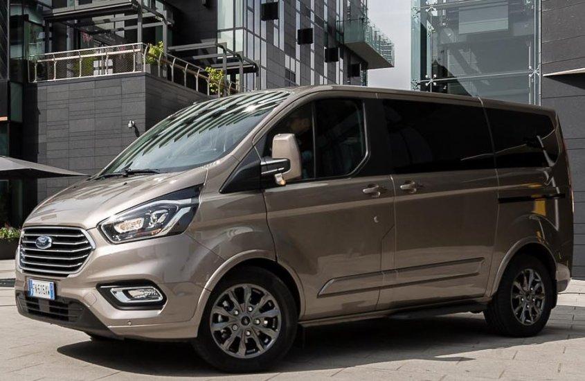 Ford Tourneo Custom: assistenza alla guida e tecnologia di alto livello