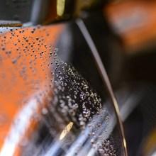 pulizia dell'auto con il coronavirus