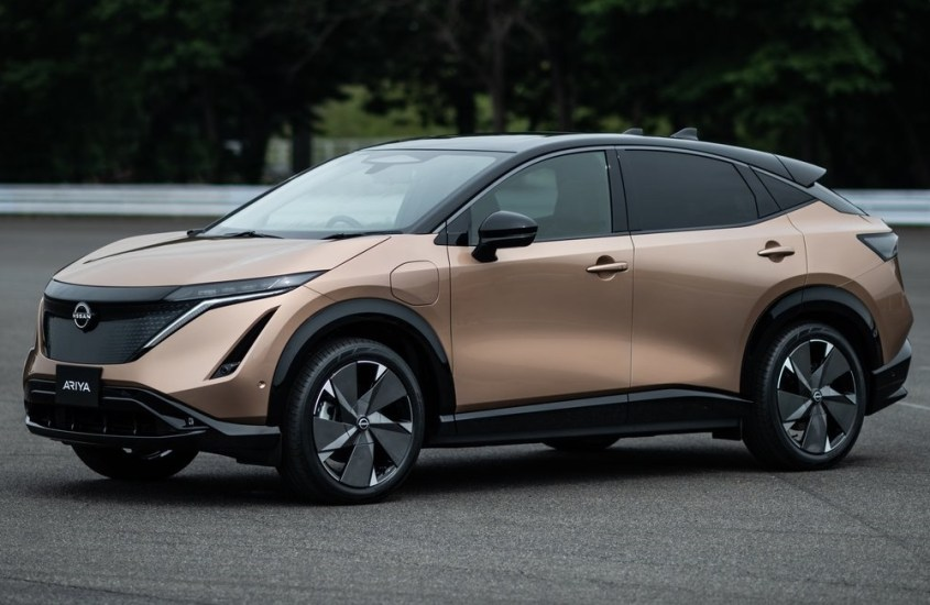 Nissan Ariya, crossover coupé a zero emissioni