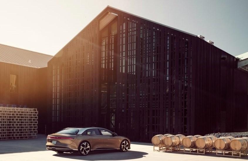 Lucid Air, l'anti Tesla americana promette autonomia per oltre 800 Km