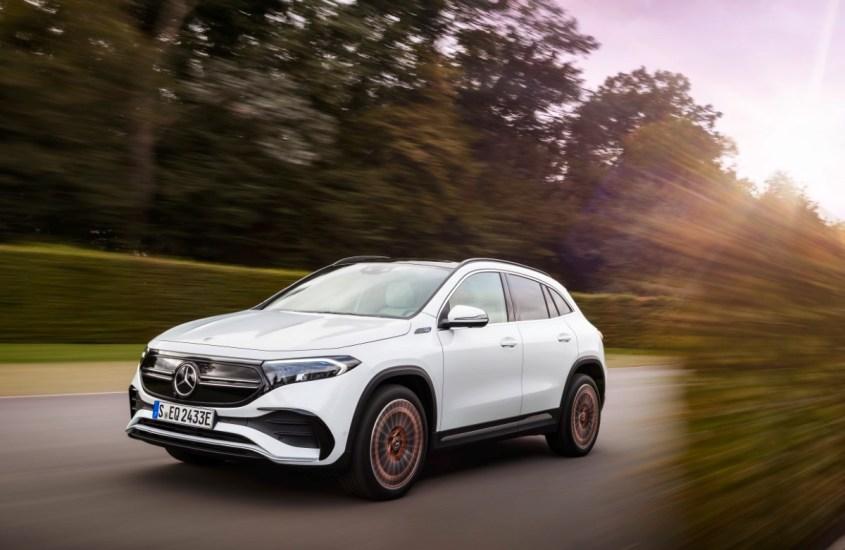 """Mercedes EQA: il SUV """"modern luxury"""" dal cuore elettrico"""