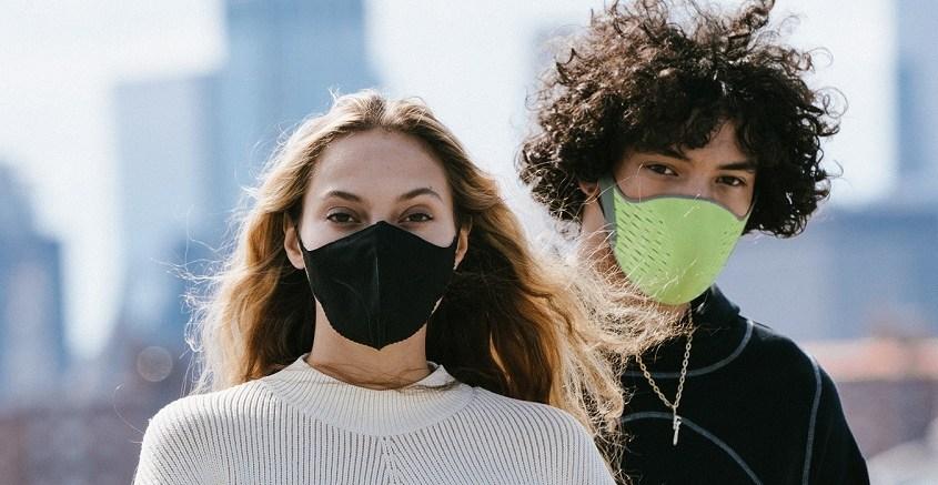 Mascherina smart anti Covid, monitora la respirazione e si interfaccia con lo smartphone
