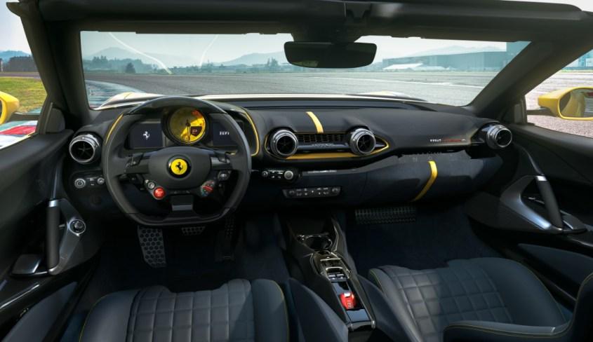 Ferrari_812_Competizione_A_interni