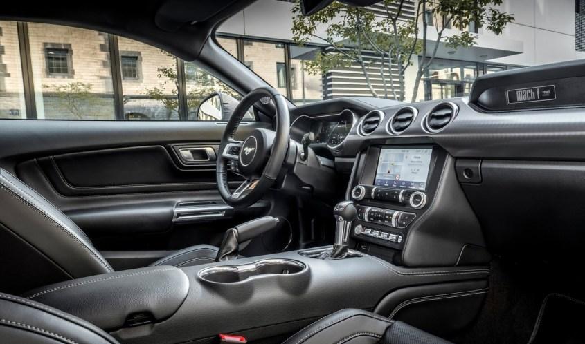 Ford-Mustang_Mach_1_badge_esclusivo