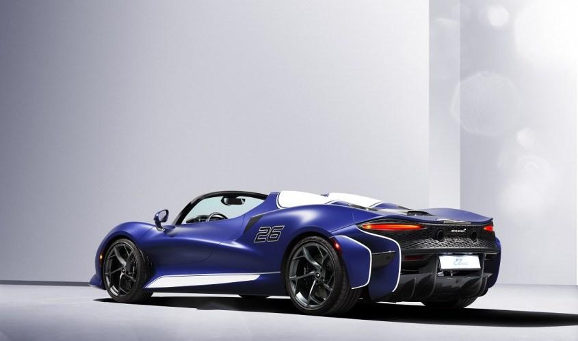 McLaren Elva profilo posteiore