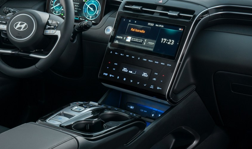 Nuova Hyundai TUCSON Plug-in Hybrid interni