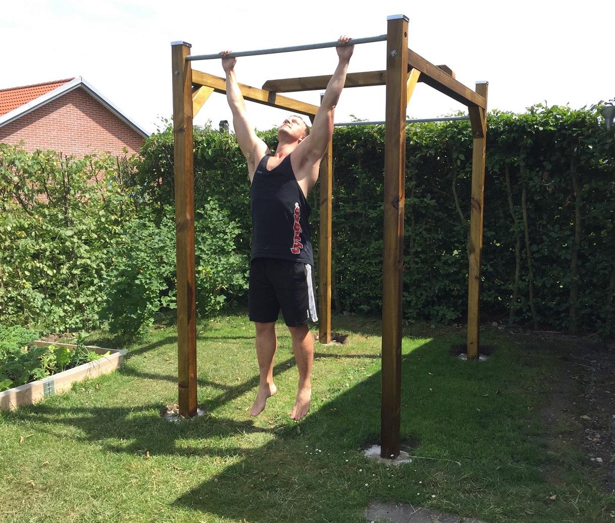 Toppen Så tränar du dig till 20 chins: Träningsprogram och tips från MA-25