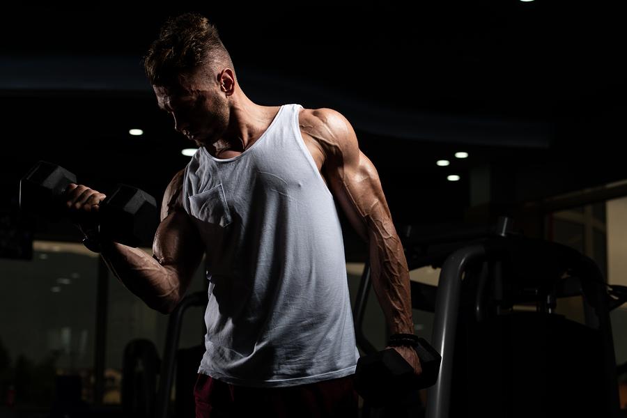 Biceps växer bäst av bicepscurl