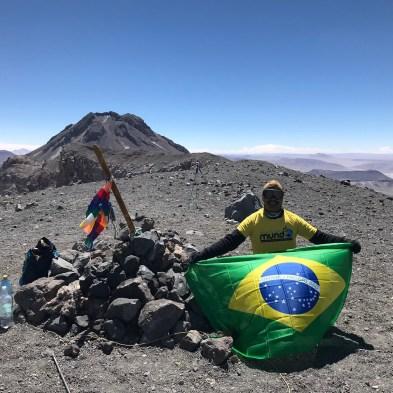 cume do vulcão lascar