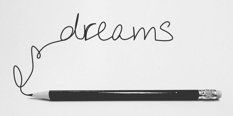 A palavra sonhos em inglês para remeter à poupança de longo prazo para o gerenciar o pote 2 do dinheiro.