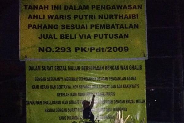 Alih Waris Duduki Kantor Kesbangpol Pemprov Riau