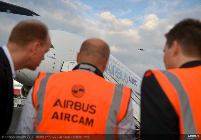 800x600_1468403385_Aircam_filming_with_Airbus_drone_-_FIA_2016-121
