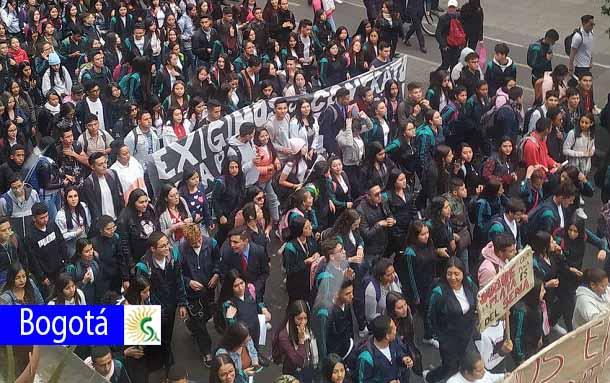 Falta de docentes y espacios de clase: exigencias de los estudiantes del SENA a la institución