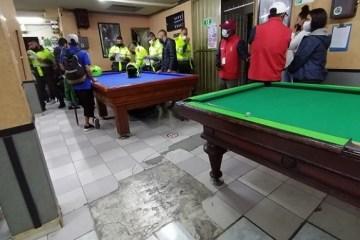 35 personas fueron multadas por jugar billar en Bogotá