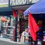 Cientos de comerciantes protestan por las restricciones del tercer pico de la pandemia en Suba