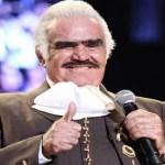 Allegado a Vicente Fernández, asegura que el artista tiene muerte cerebral