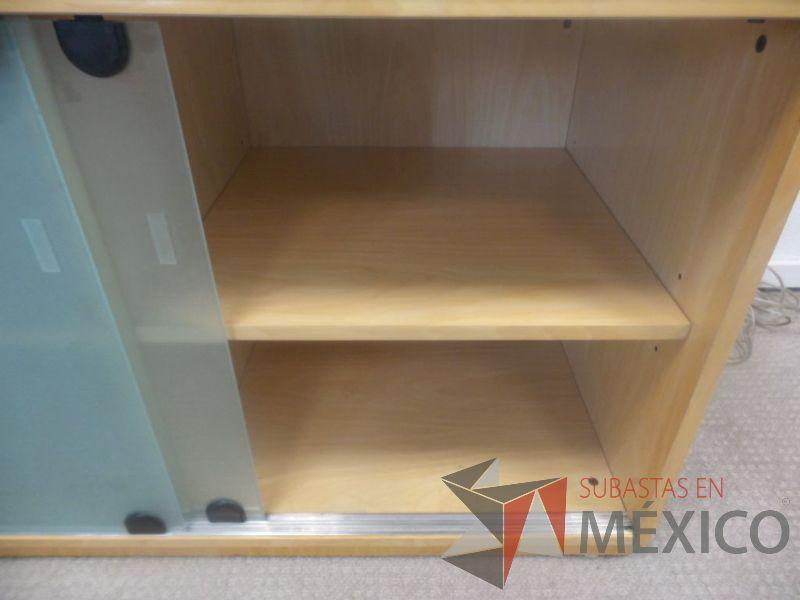 Credenza Con Vidrio : Lote u credenza de madera con cubierta vidrio subastas en