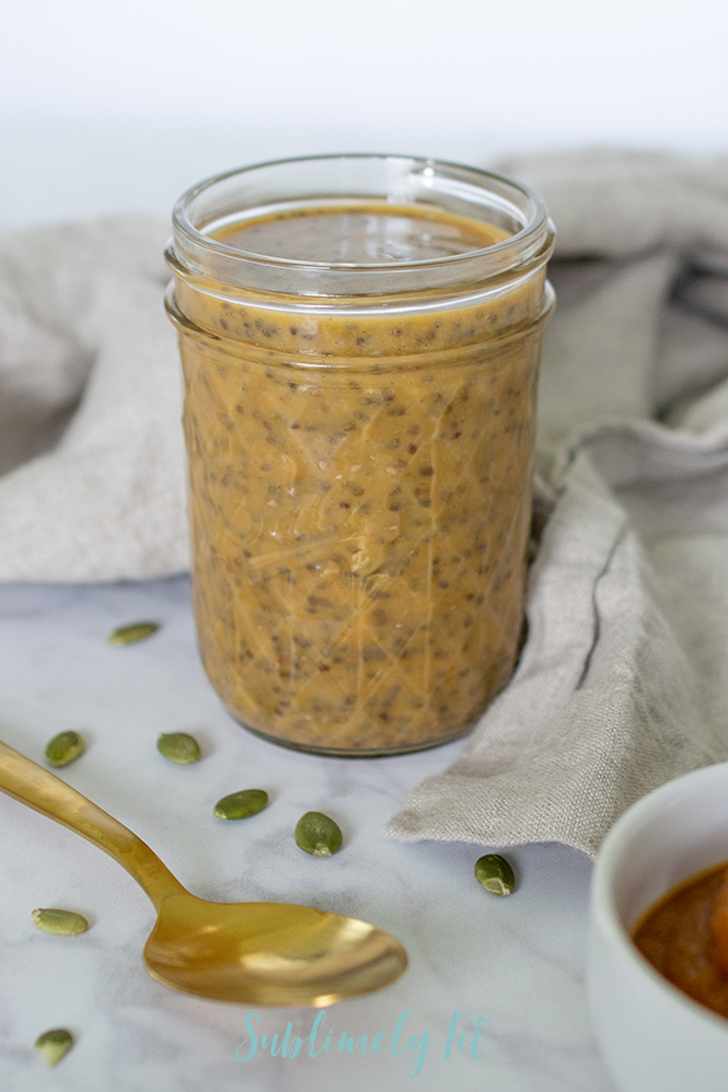 This Pumpkin Chia Pudding is the perfect way to satisfy your pumpkin spice cravings in a healthy way! It's a great nutrient-rich healthy breakfast or snack!