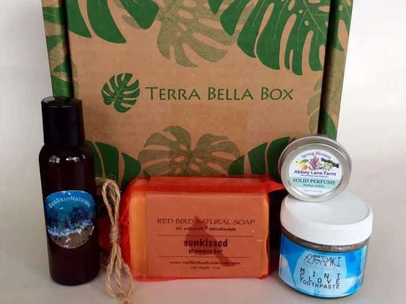 Terra Bella Subscription Box – April 2017 Review