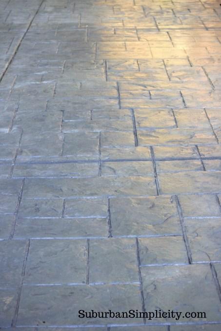 concrete-patio-with-sealer