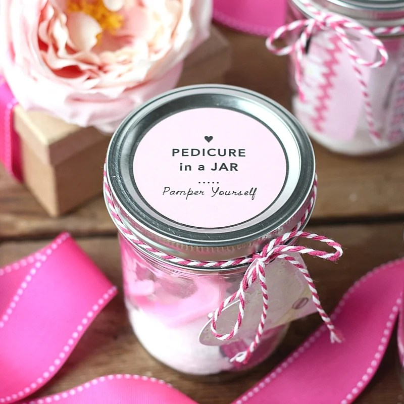 DIY Pedicure in a Jar | Mason Jar Gift