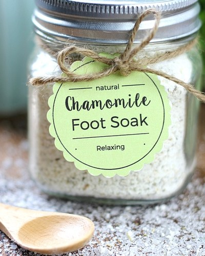 Easy Chamomile Foot Soak DIY + Printable Tags