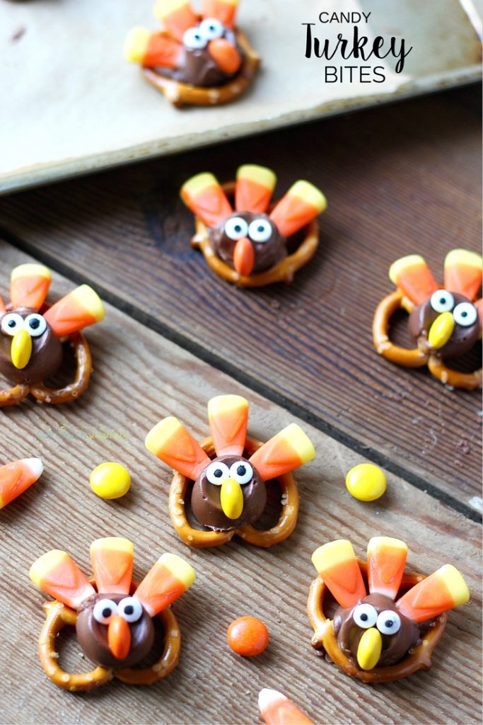 These Candy Pretzel Turkey Bites are tasty and adorable. The perfect snack idea for your Thanksgiving party or celebration!
