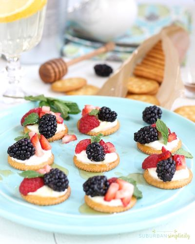 Berries and Cream Ritz Cracker Toppers on a plate.
