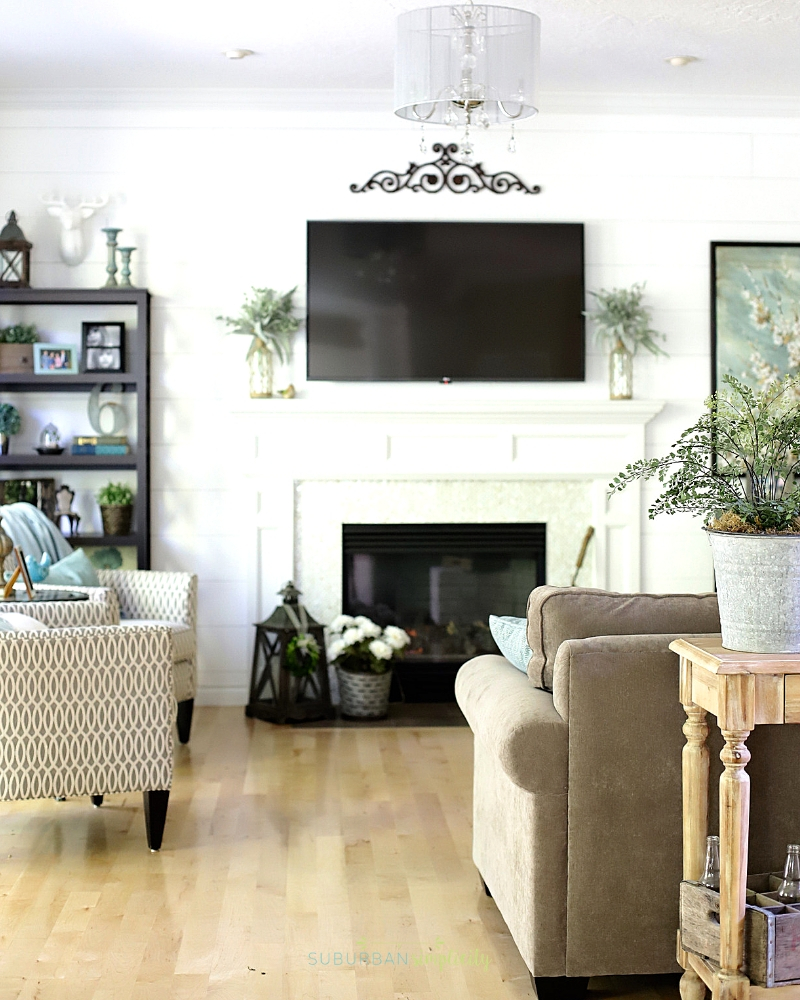 Living Room Decorating On A Budget Creating A Focal Point.