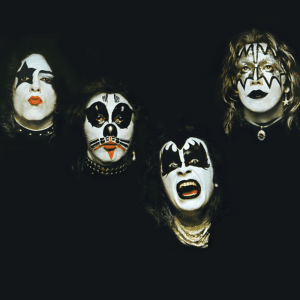 Episode 952: Kiss – Debut Album