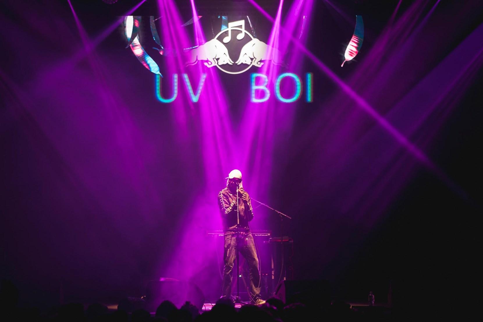 UV boi