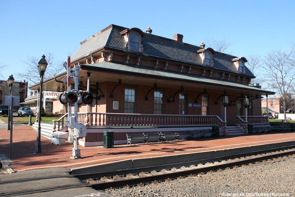 Windsor Ct Amtrak S New Haven Springfield Shuttle