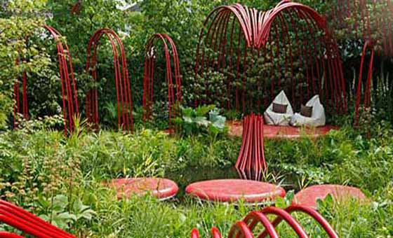 Create chelsea flower show garden on a budget for Successful garden design