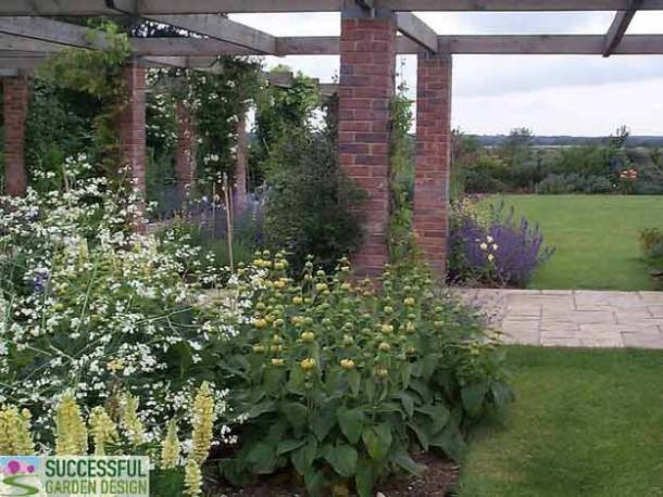 Power of three useful tips from garden designers for Successful garden design