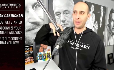 Peter Voogd Interviews Evan Carmichael on Dominating Youtube & Building a Thriving Business