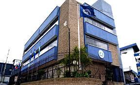 Edificio de 5 niveles propiedad del parlamento centro americano localizado en Guatemala, es de color azul