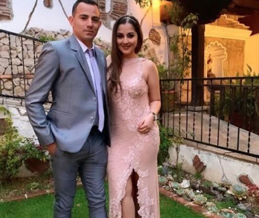 Marco Papa junto a su novia Andrea Aparicio, la que golpeo severamente por lo que tiene una orden de captura en su contra.