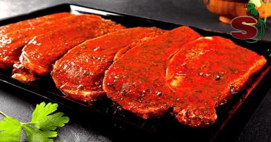 Un churrasco de carne adobada, delicioso platillo de la gastronomía típica guatemalteca