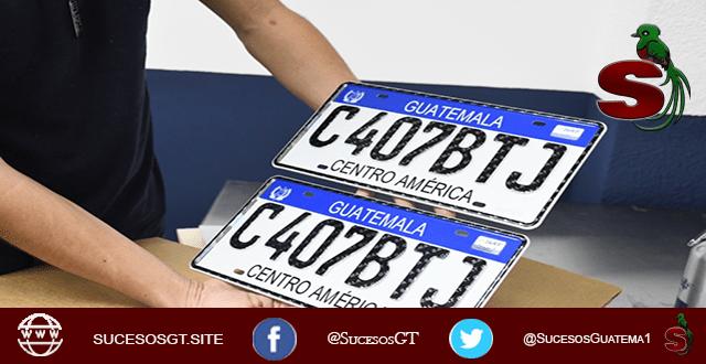 Placas para vehículos utilizadas en Guatemala hechas de metal