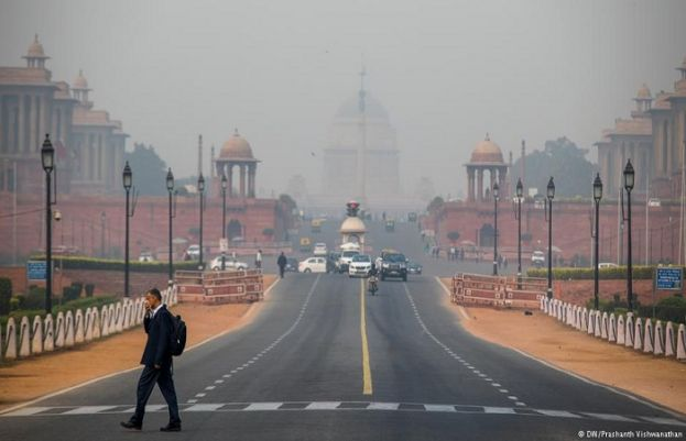 Firework smog chokes Delhi as India celebrates Diwali