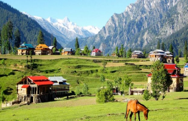 2.5 mln tourists from parts of country thronged into picturists valleys of KP