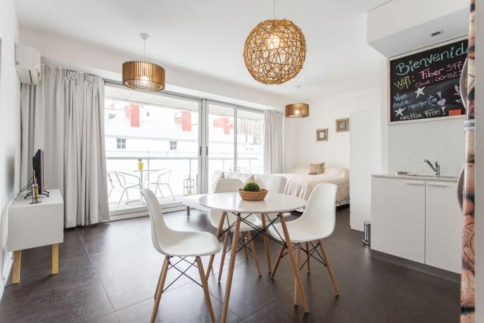 Apartemento amoblado con balcon superior comedor cocina