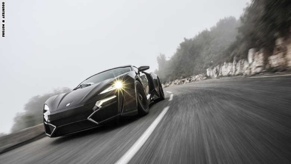 """أول سيارة """"سوبر"""" للعرب فقط.. مصابيح أمامية من الماس ومقاعد من الذهب"""