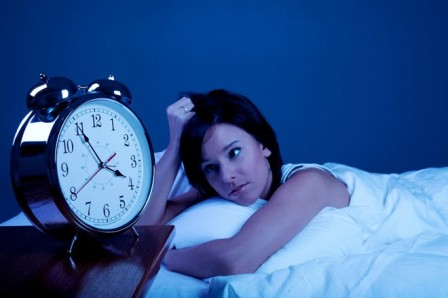 تجنبوا الاستيقاظ كثيرا خلال ساعات النوم ليلا لهذه الأسباب