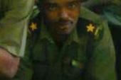 """بالصورة : في مفاجأة داويّة ظهور ملازم بالجيش السوداني يهنيء أسرته بالعيد كان قد أعلن عنه """" شهيد """" !!"""